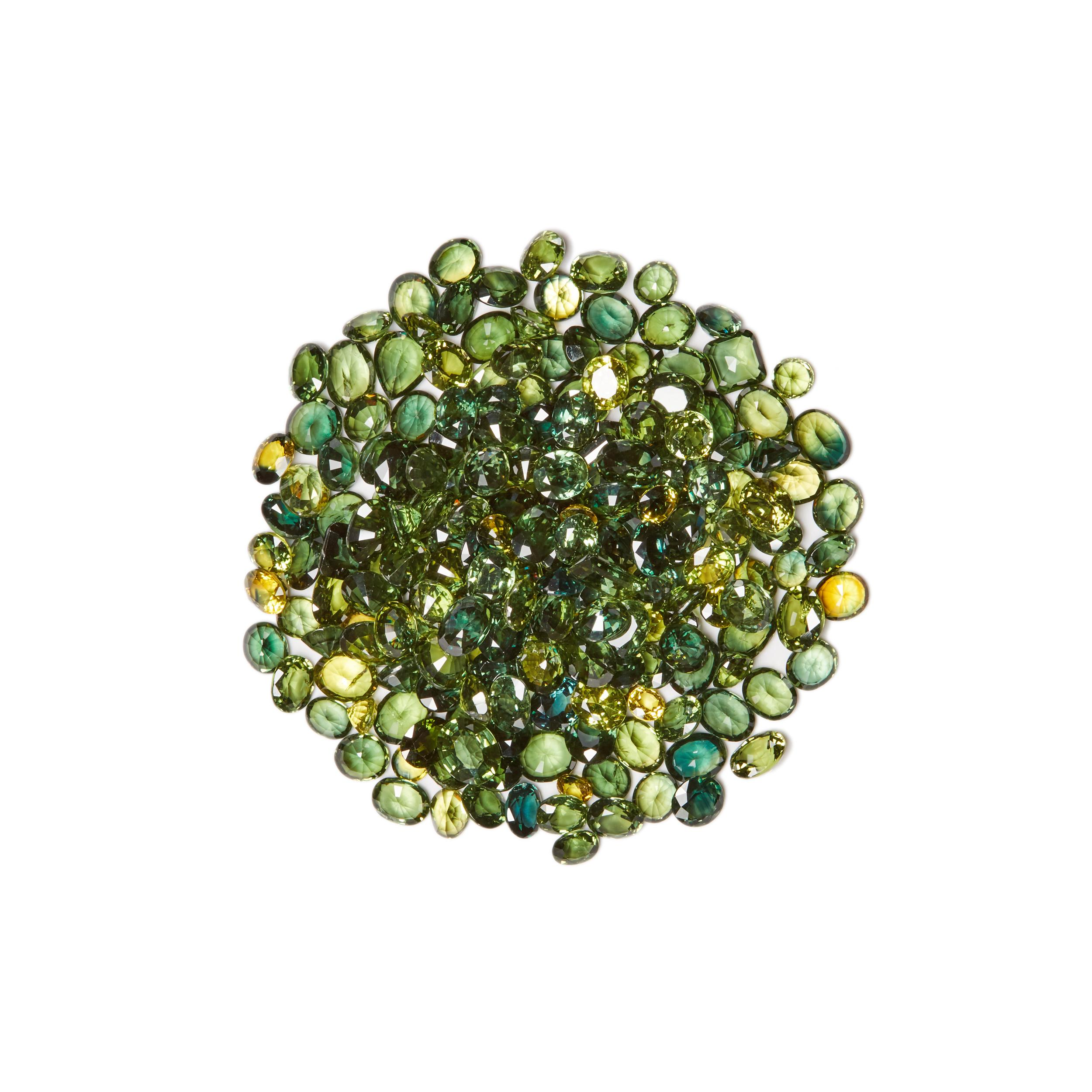 with a solitaire sapphire emerald cushion france and blackened gold furst products green ring ceylon emeralds