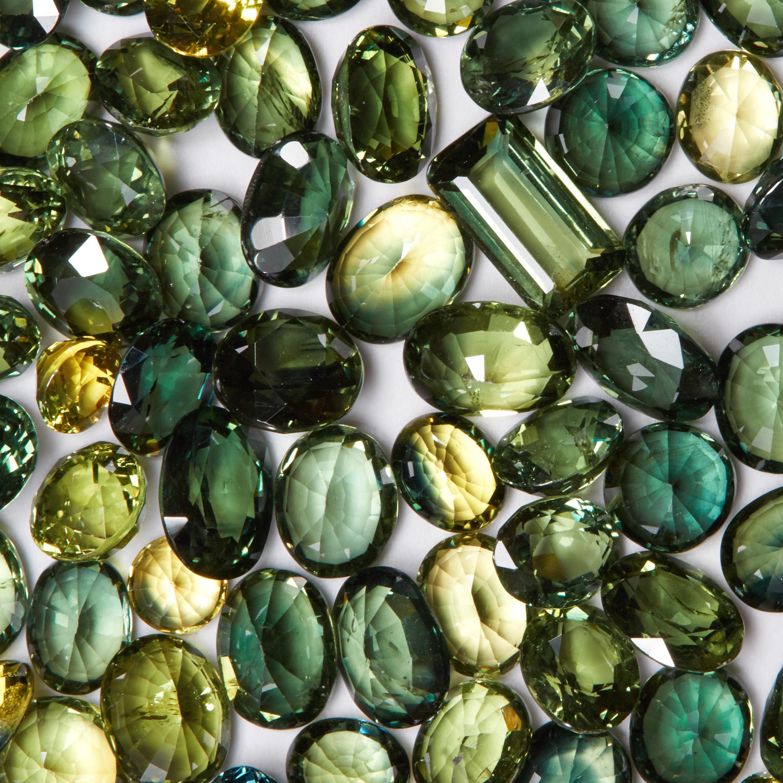 0 5-3ct Green sapphire Heated