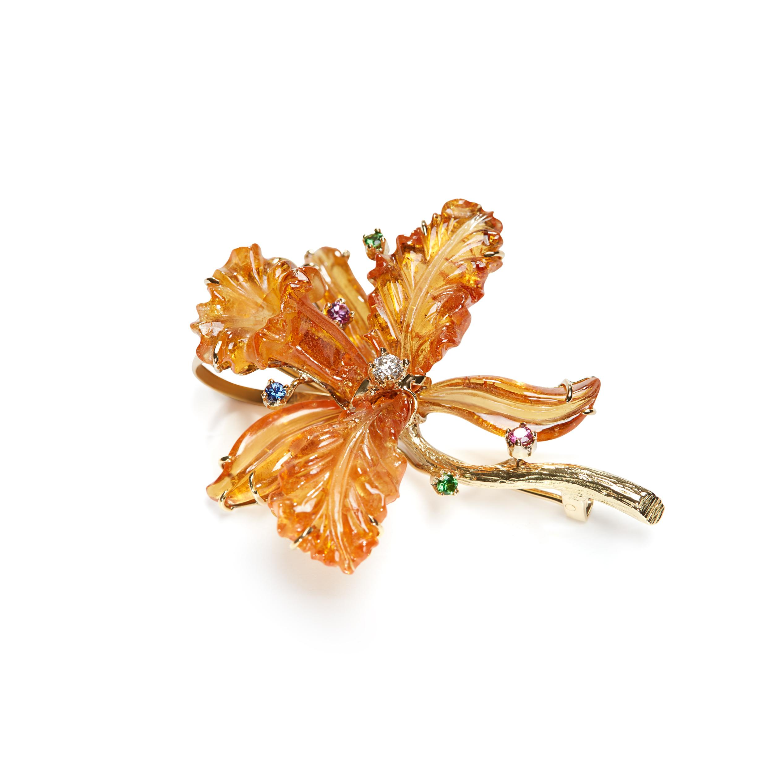 Flower-shaped gemstone Brooch